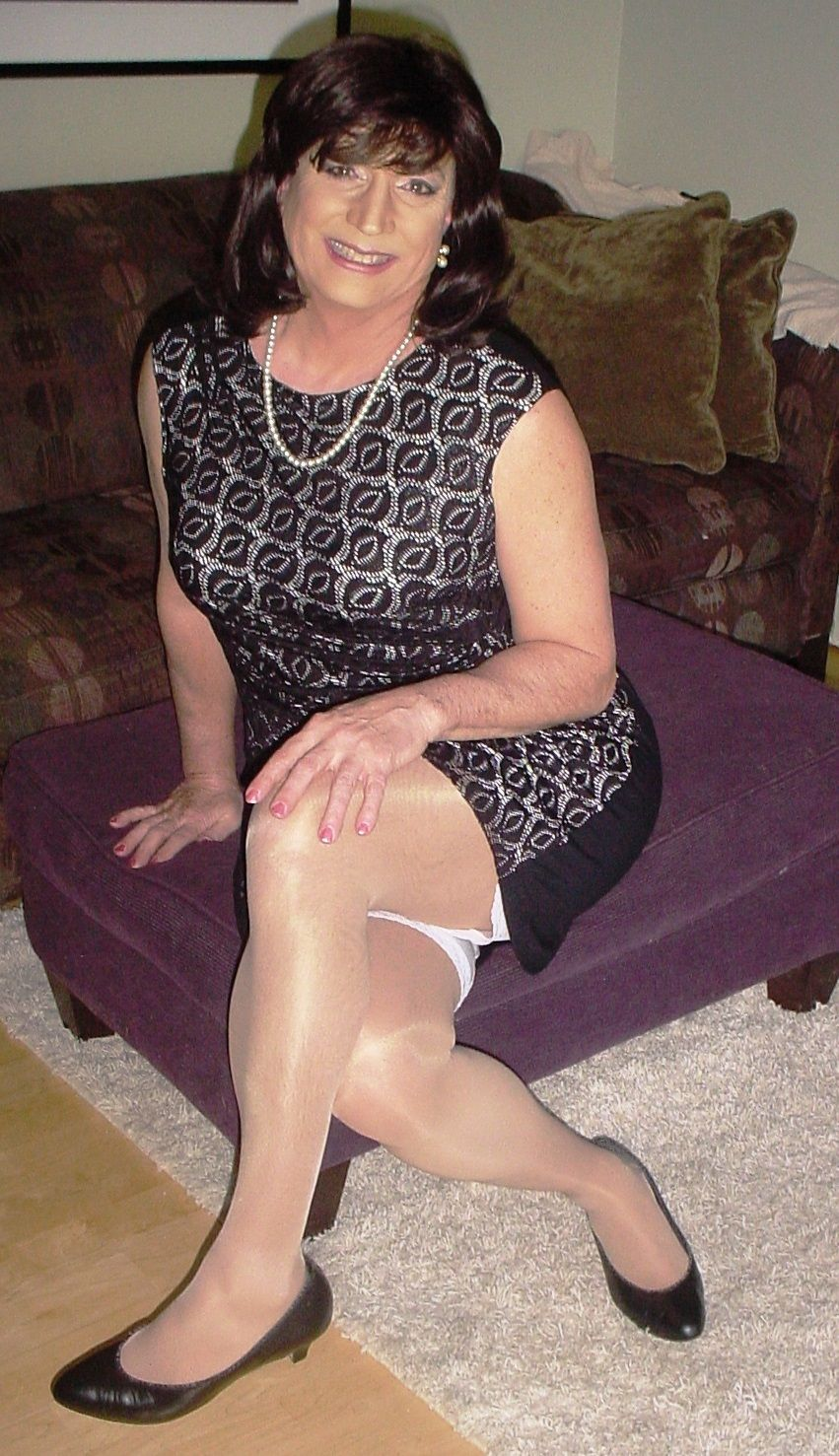 Pictures of sissy crossdressers