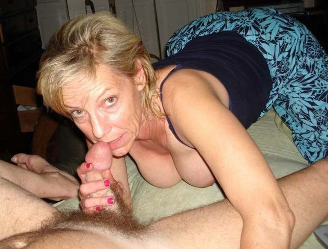 Mature nude women giving blowjobs